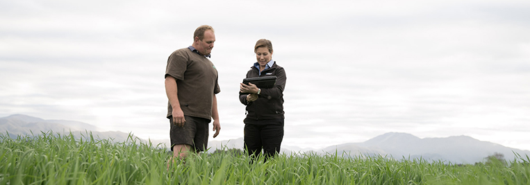 Ballance Nutrient Specialist and farmer on farm